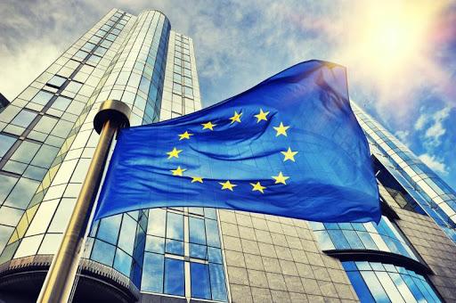 Nuevos cursos obligatorios en el sector de los seguros y la banca